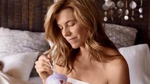 Az amerikaiak kiborultak azon, hogy a leszbikusok is esznek joghurtot
