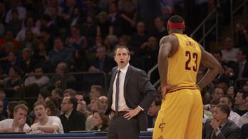 LeBron imádja ugráltatni az edzőjét