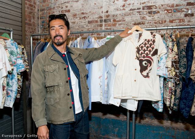 Japán egyik legfelkapottabb márkájának, a Visvimnek az alapítója és tervezője, Hiroki Nakamura karrierje elején innovatív cipőiről volt ismert, majd később férfi ruháival is felhívta magára a figyelmet, mely elsősorban amiatt volt érdekes, mert a tervező a hagyományos ruhakészítési technikákat ötvözte a modern technológia vívmányaival.