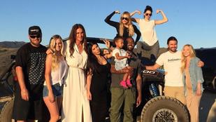 Caitlyn (Bruce) Jenner egy hosszú fehér ruhában ünnepelte az apák napját