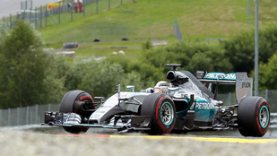 Rosberg erőből, a Honda erőtlenül
