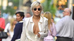 Rita Ora dekoltázsa elszabadult New York utcáin
