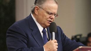 Egy pap szerint börtönben a helyük azoknak, akik Istent a szájukra veszik szex közben