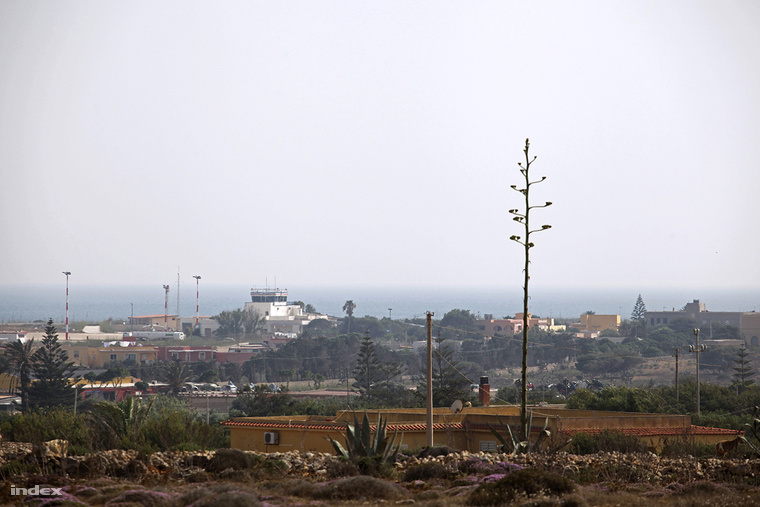 A sziget a turisták célpontja volt, nem a menekülteké