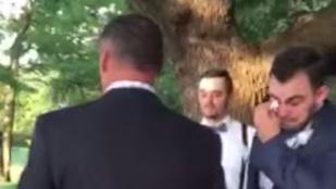 Meglátta a menyasszonyát, elsírta magát