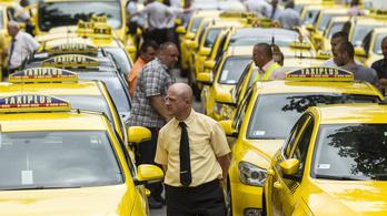 2018-tól taxisok lehetnek csak Uber-sofőrök