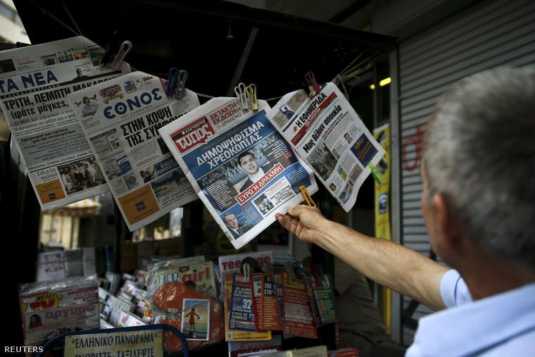 Alekszisz Ciprasz miniszterelnök bejelentése a népszavazásról a szombat reggeli újságok címlapján