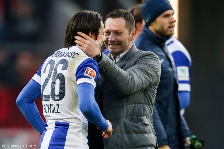 Dárdai és Nico Schulz ünnepel az FSV Mainz-Hertha BSC mérkőzés után, 2015. február 7-én.