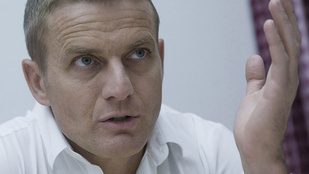 Megműtötték Rékasi Károlyt, de továbbra sincs magánál