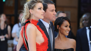 Amber Heard megmutatta a melloldalát, és még oly sok mindent