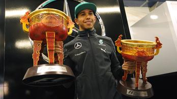 Hamilton: Sokkolóan rondák az F1-trófeák