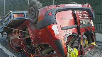 Akkora baleset volt az M1-esen, hogy le kellett zárni az utat