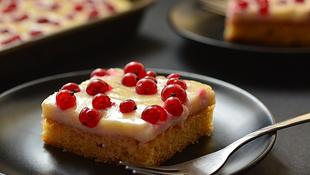 Pénteki süti: ribizlis-mandulás kocka