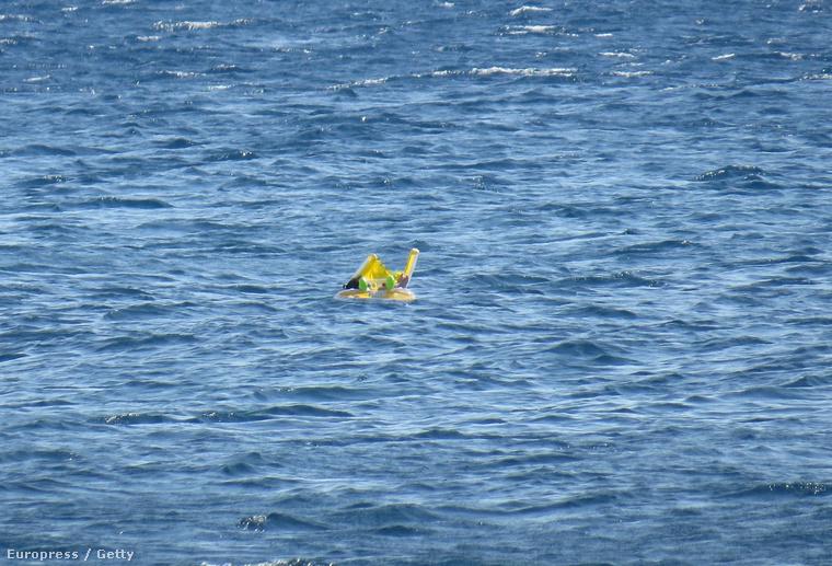 Melda a tengeren sodródott