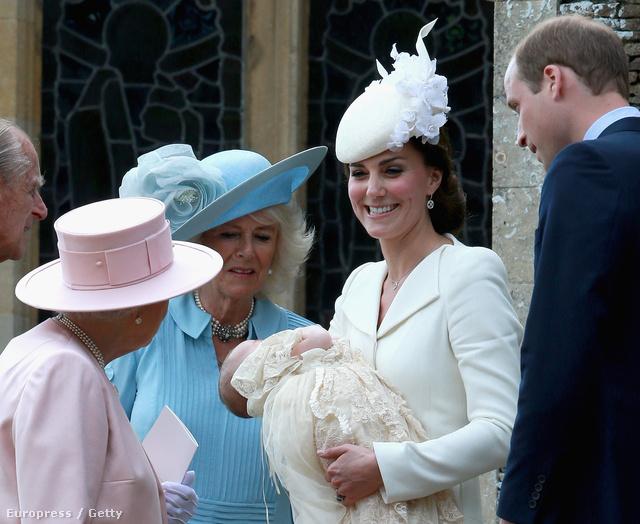 Charlotte hercegnőnek öt keresztszülője van, Adam Middleton, Michael Middleton bátyjának fia, Richard, Laura Fellowes, Diana egyik nővérének lánya, Jane, William két közeli barátja, Thomas van Straubenzee és James Meade, valamint Katalin barátnője, Sophie Carter.