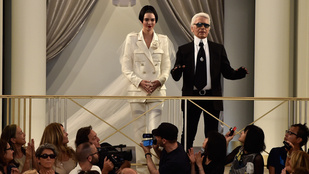 Ez a menyasszonyi ruha még Kendall Jenneren is vicces