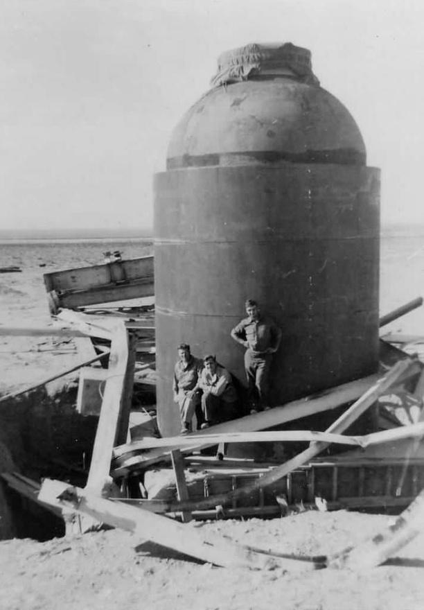 A Jumbo páncélköpenynek nem sokat ártott a robbanás, sőt, a mai napig látható a kísérlet emlékére állított múzeumban. Mármint ami maradt belőle azt követően, hogy egy másik bombatesztnél 500 fontos bombákat robbantottak fel benne.