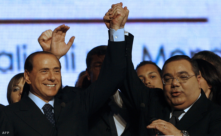 Silvio Berlusconi és Sergio De Gregori Nápolyban, 2008. január 25-én.