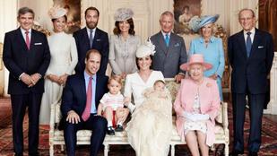 Itt vannak a hivatalos képek Sarolta hercegnő keresztelőjéről