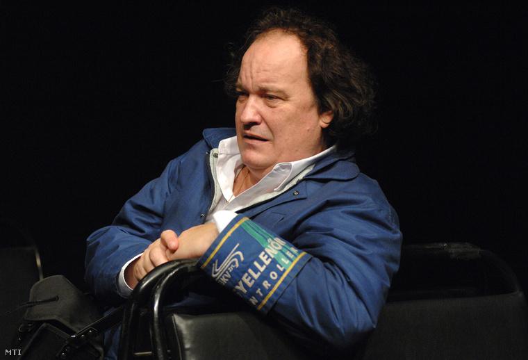 Haás Vander Péter a Nyár utca nem megy tovább című egyfelvonásos színművének próbáján a Budapesti Kamaraszínház Shure Stúdiójában