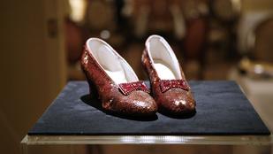 1 millió dolláros nyomravezetői díj Judy Garland rubintos cipőjéért