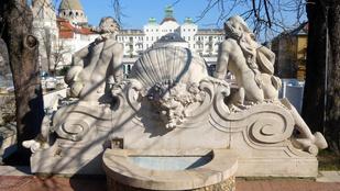 Ezek után nem csodáljuk, ha a turistáknak hánynia kell Budapesttől