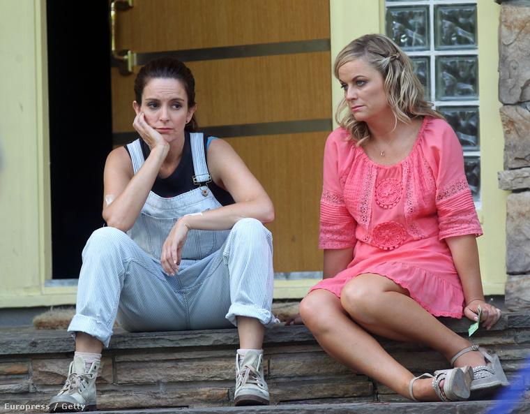 Tina Fey és Amy Poehler a 2014-es The Nest forgatásán