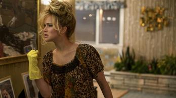 Jennifer Lawrence szuperdögös takarító lett