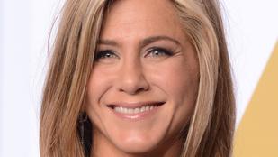 Jennifer Aniston egy Jóbaráttal csalta Brad Pittet