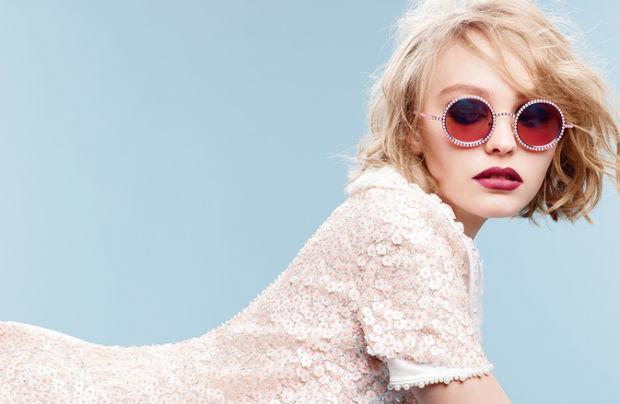 Vanessa Paradis és Johnny Depp 16 éves lánya,Lily-Rose Depp lett a Chanel arca az őszi-téli szezonban.