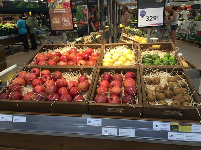Különleges gyümölcsöket is beszerezhet a jövő áruházában.