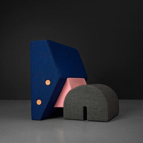 Egyik nagy kedvencünk volt a tavalyi évből ez a szék, amit az eindhoveni OS & OOS stúdió tervezett a dán Kvadratnak és aminek a Dior ház vezető tervezője, Raf Simons tervezte meg a kárpitját.