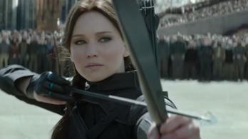 Katniss Everdeen mindenki seggét szétrúgja