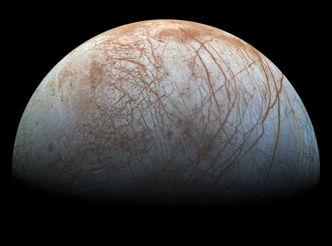A Galileo-szonda fotója az Europa felszínéről