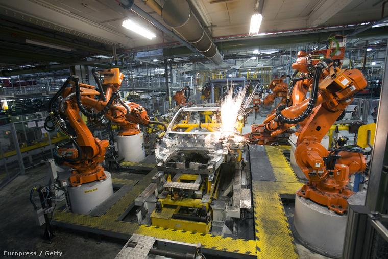 Range Rover-gyártósor a Jaguar-Land Rover halewoodi üzemében