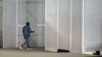 Kanye West besokallt, és leviharzott a színpadról