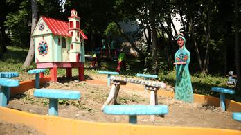 Így készült csodajátszótér egy budai kórház udvarára