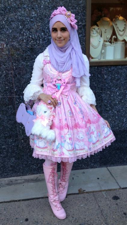 The Hijabi Lolita: Így ér össze a Lolita stílus a hidzsáb kendővel.