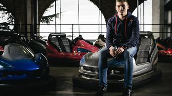 Na mit csinál az F1 legfiatalabb pilótája a nyári szünetben?