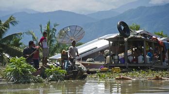 Több mint száz halottja van a pusztító monszunnak Indiában