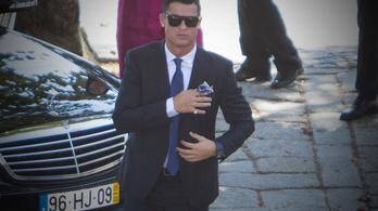 C. Ronaldo görög szigetet vett nászajándékba
