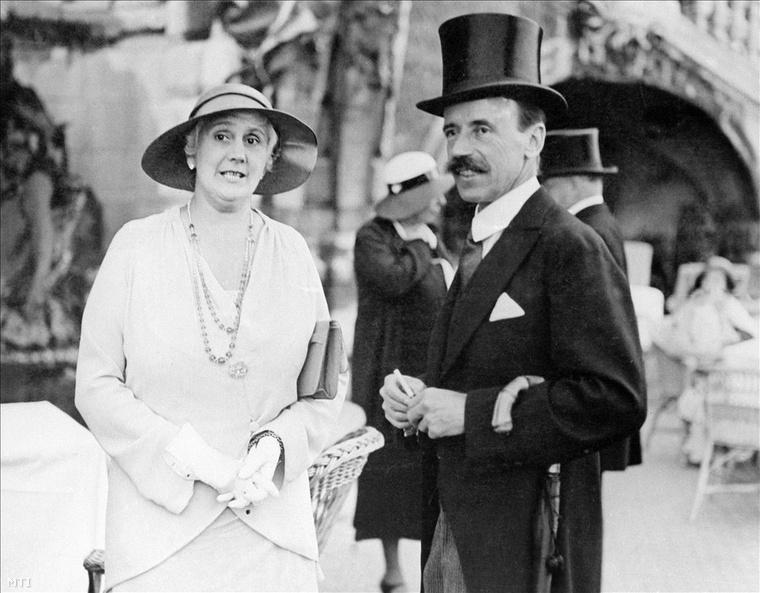 1930. Horthy Miklósné Purgly Magdolna, Horthy Miklós kormányzó felesége és gróf Bethlen István miniszterelnök