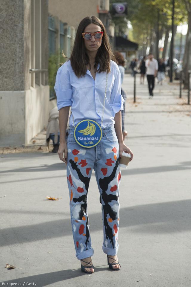 Sőt, a bevállalósak vehetnek színes, festett boyfriend-jeans-t is.