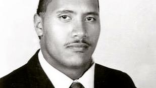Dwayne Johnson 16 évesen legalább negyvennek nézett ki