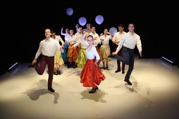 Kakukktojás - Ifjú Szivek Táncszínház