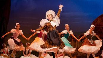 Lányőrzés az Operában
