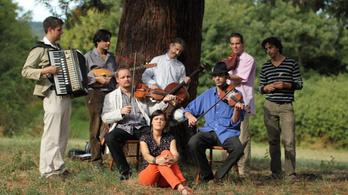 Nemzetközi toplistán szerepel a Buda Folk Band