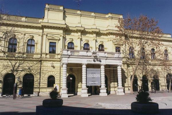Békéscsabai Jókai Színház épület