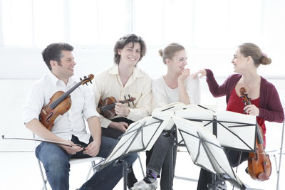 Kelemen Kvartett (tagjai: Kelemen Barnabás, Homoki Gábor, Kokas Dóra, Kokas Katalin)