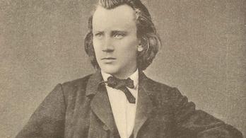 Négy Brahms-szimfónia egy nap alatt